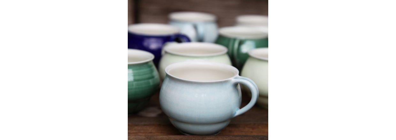 Pigget keramik i lyseblå