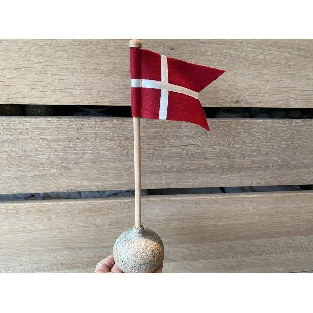 unika:k design - Håndlavet bordflag i keramik og filt/silke, sand med korn
