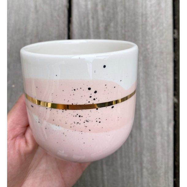 Marinski Heartmades - Ceramics handmade Latte mug Landscape, Blush og pink with golden line