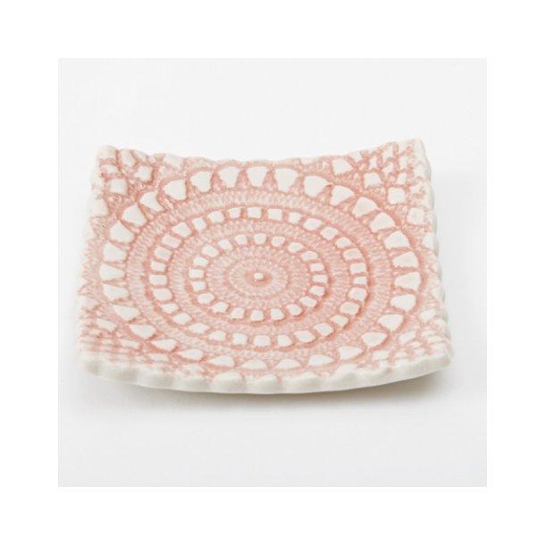 Kim Wallace - Keramik skål (lille) Amara Vintage Lace, rosa