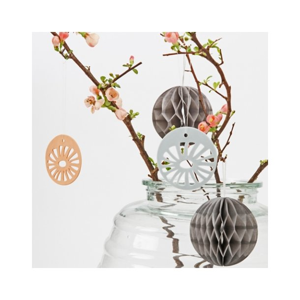 Helle Gram - Keramik ophæng 'daisy' i lyseblå