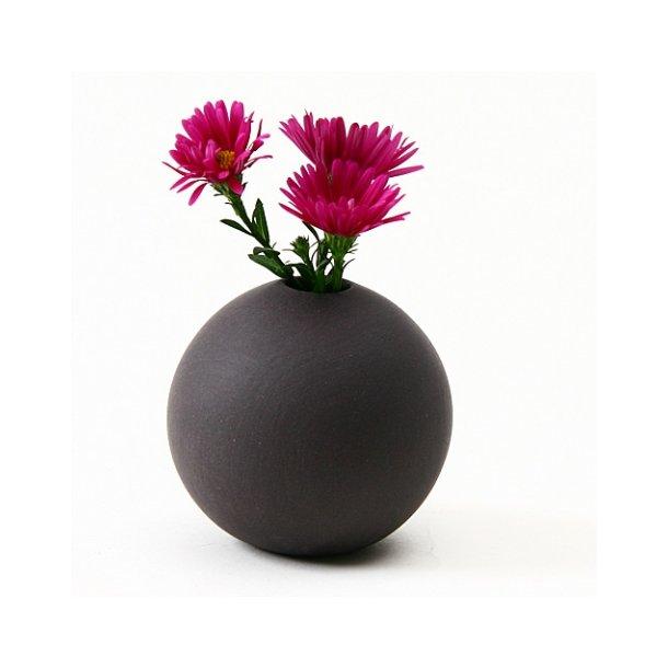 Helle Gram - Keramik håndlavet rund vase, sort
