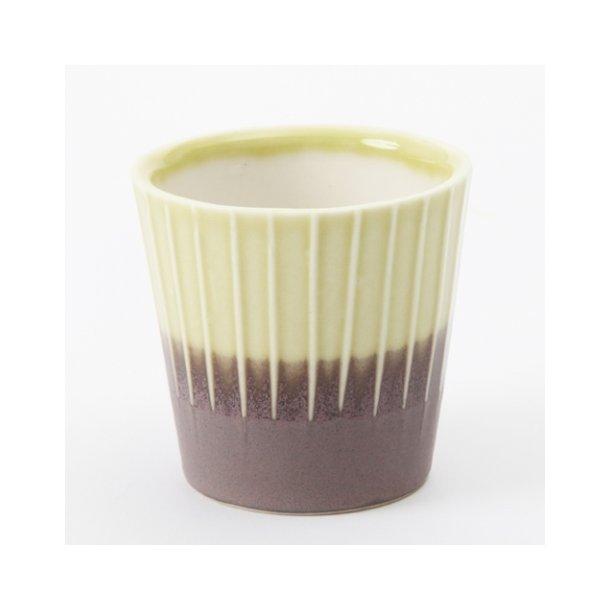 Clib Klap - Keramik håndlavet kop, espresso, lodrette riller, mørkebrun og gul