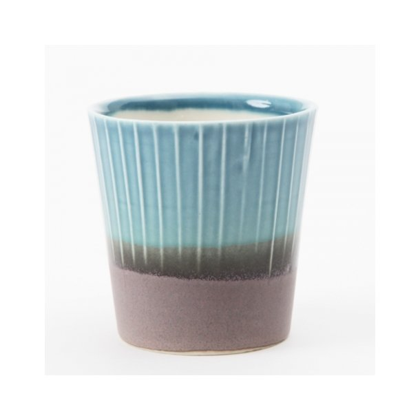 Clib Klap - Keramik håndlavet kop, lodrette riller, mørkebrun og blå, mellem