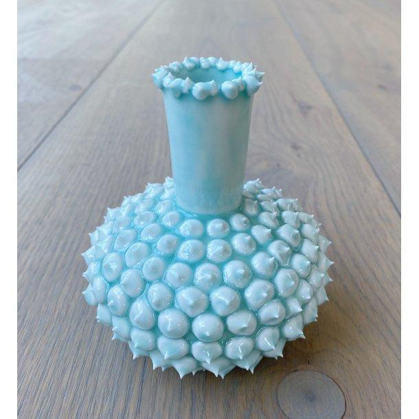 Henriette Duckert - Keramik håndlavet pigget vase (med pigge i top) turkisgrøn
