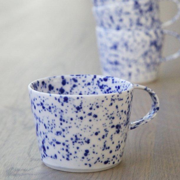 Ann-Louise Roman - Keramik hånddrejet cortado kop blue dot, mange små prikker
