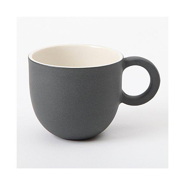 Helle Gram - Keramik håndlavet kop, chubby lille, sort