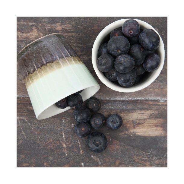Clib Klap - Keramik håndlavet kop, espresso, lodrette riller, mørkebrun og lyseblå