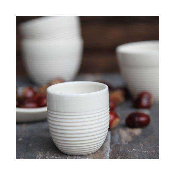 Wauw design - Keramik håndlavet kop raw espresso, hvid med riller