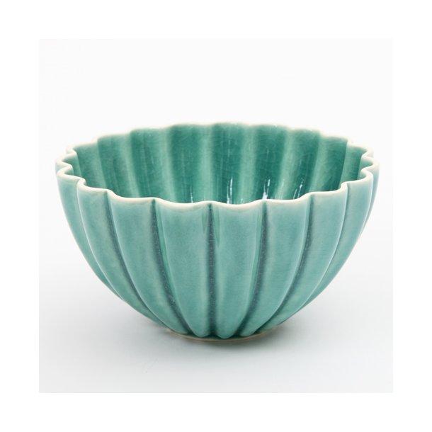 Hanne Bertelsen - Keramik håndlavet skål Rille blomst mellem, grågrøn