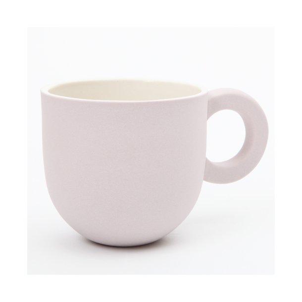 Helle Gram - Keramik chubby kop med rund hank, lavendel