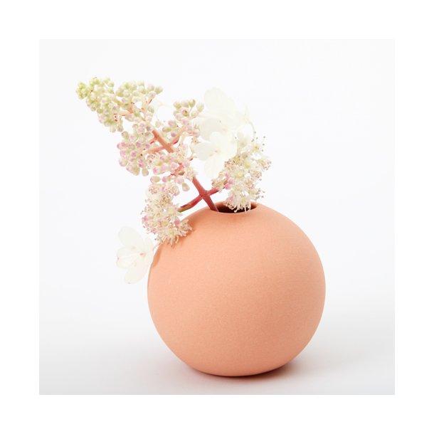 Helle Gram - Keramik håndlavet rund vase, abrikos