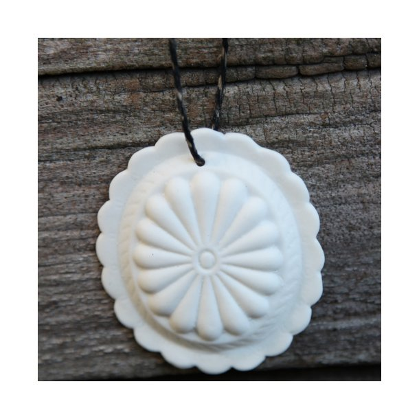 Jeanette Hiiri - Keramik håndlavet Medaljon til ophæng (slebet, mat)