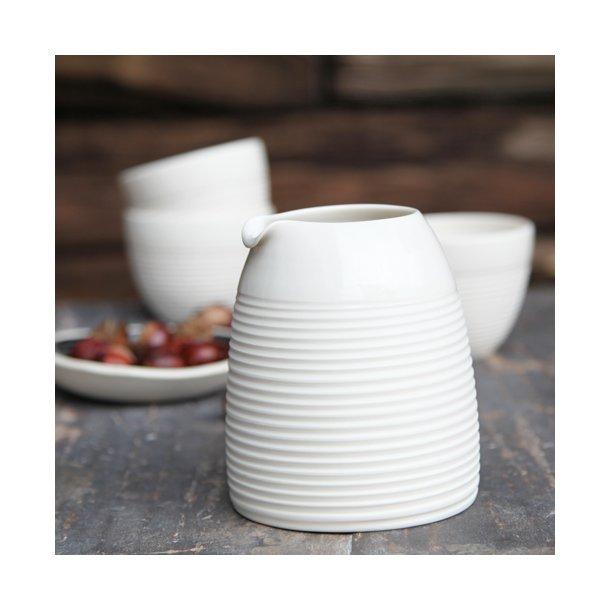 Wauw design - Keramik håndlavet mælkekande raw medium, hvid med riller