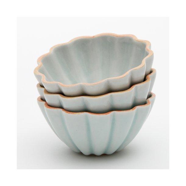 Hanne Bertelsen - Keramik håndlavet skål Rille blomst lille, isblå