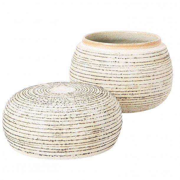 Eva Brandt - Handmade lidded bowl in stoneware with handmade pattern, black and sand