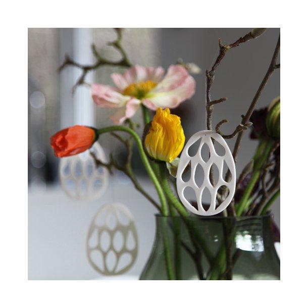 Esther Pedersen - Keramik ophæng påskeæg med håndskåret mønster, hvid