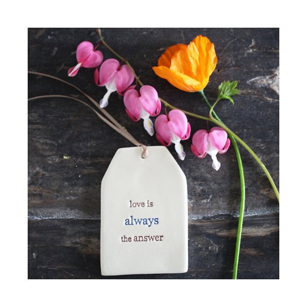 Paper boat press - Quote tag, love is always the answer