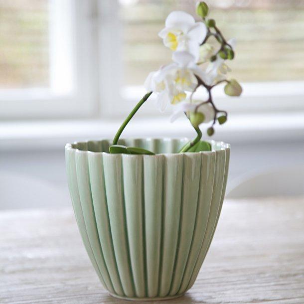 Hanne Bertelsen - Keramik urtepotteskjuler Rille, mellem, grøn