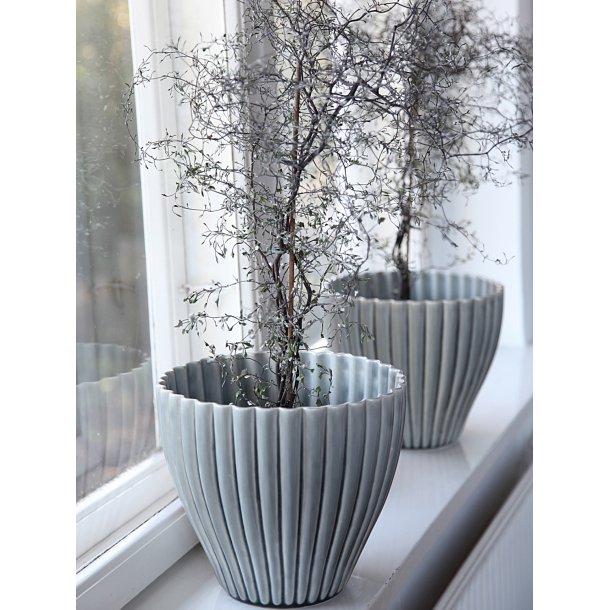 Hanne Bertelsen - Keramik urtepotteskjuler Rille, mega, grå